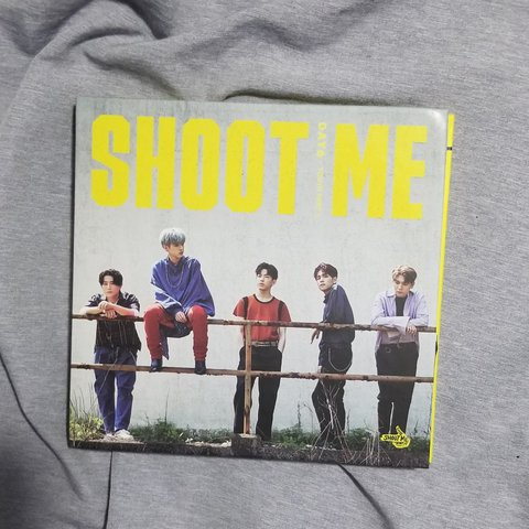 DAY6 Shoot Me Album Great condition, like new! Does not with