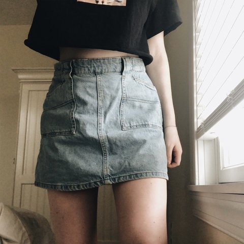 55ad8b8b93 @brittanymenchen. last month. Somers Point, United States. urban outfitters  bdg denim skirt 💙 size m (medium) ...