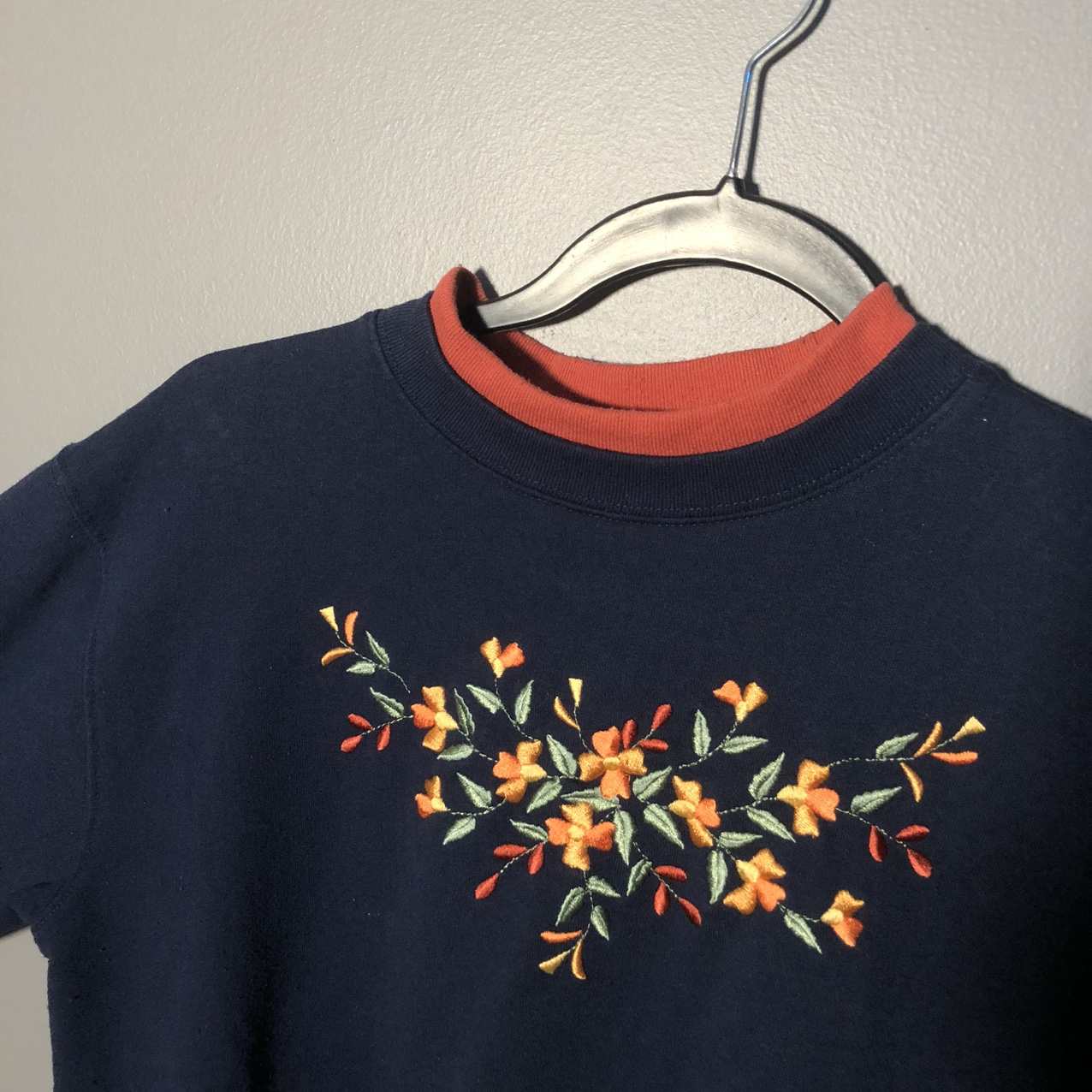 Product Image 1 - absolutely GORGEOUS vintage embroidered navy