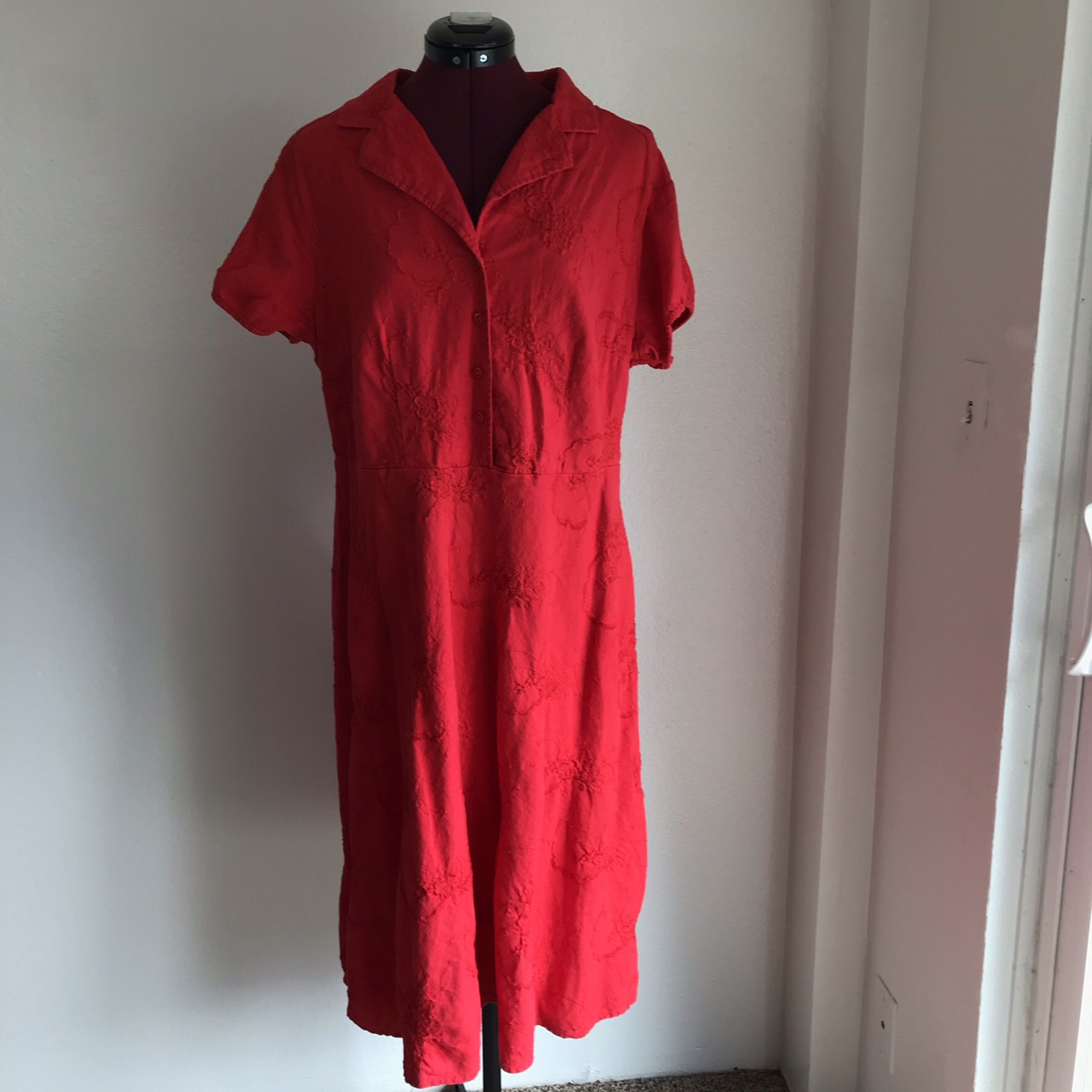 Product Image 1 - Y2k bright red embroidered linen