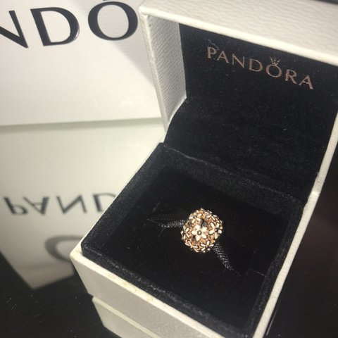 4aad5b229 @darcie220. 15 days ago. Shrewsbury, United Kingdom. PANDORA dazzling daisy  rose gold charm