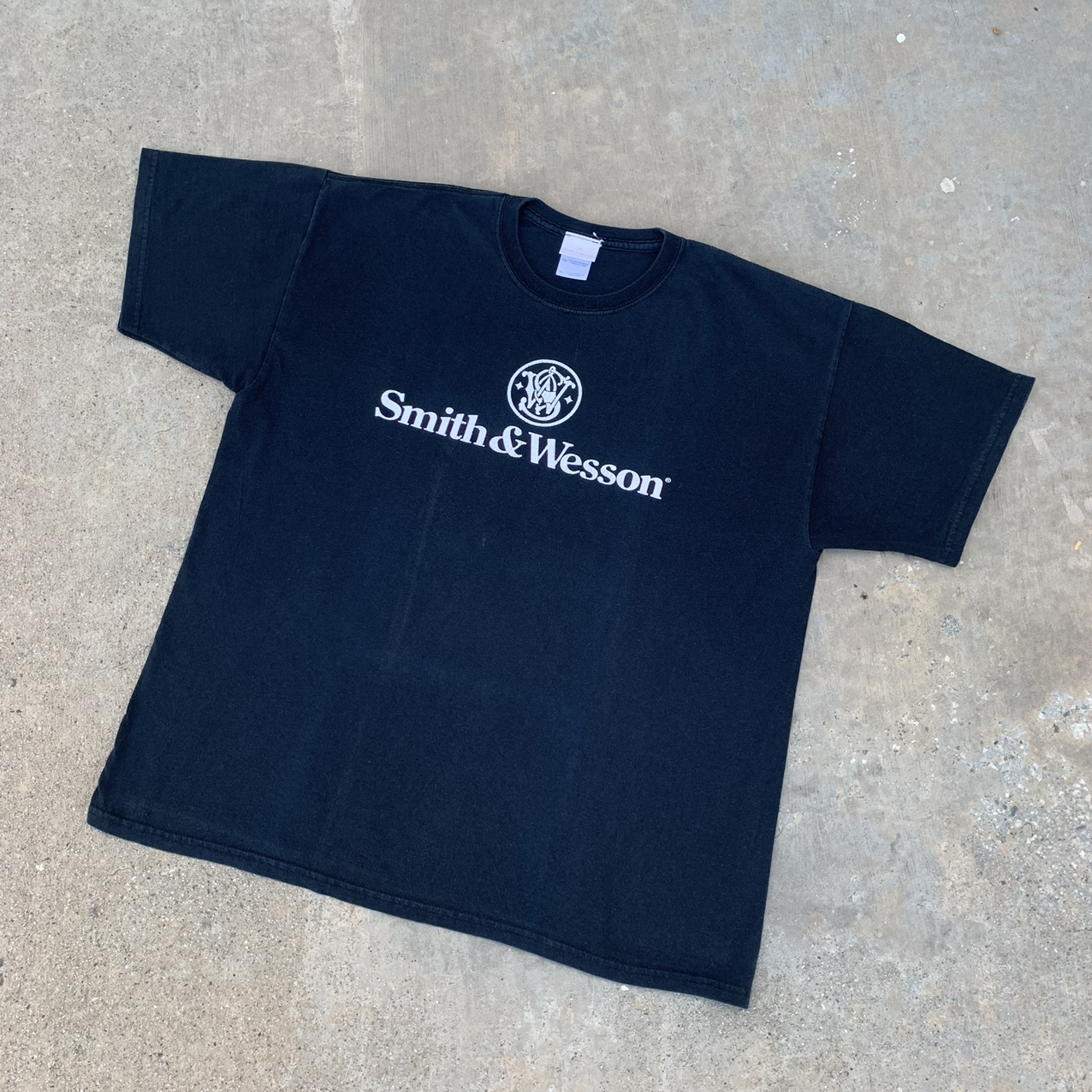 Product Image 1 - Vintage Smith & Wesson T-shirt