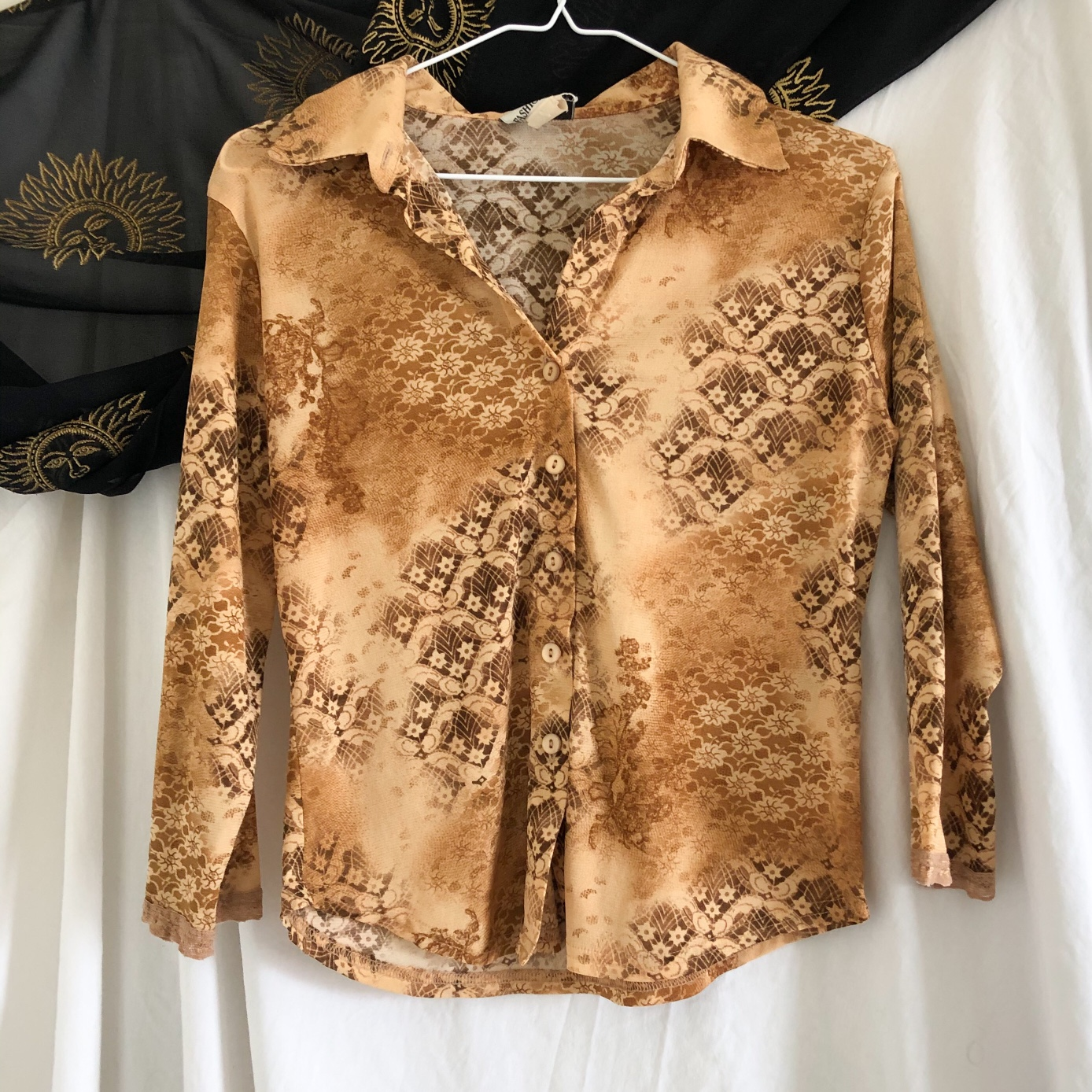 Product Image 1 - 90s Brown Paisley/Flower Collared Button