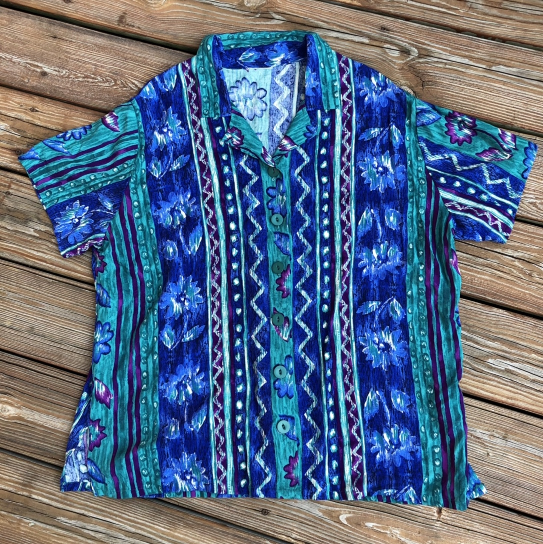 Product Image 1 - retro flower button up ☯️ -GREAT