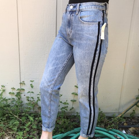 329b30627620 @ellaclairemorgan. 14 days ago. Sebastopol, United States. NEVER WORN!! High  waisted jeans in perfect condition.