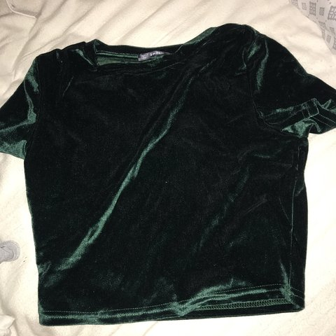 958efef81c @sydneyymiller. last month. West Chester, United States. Shein velvet  emerald green crop top. Size M but fits very small.
