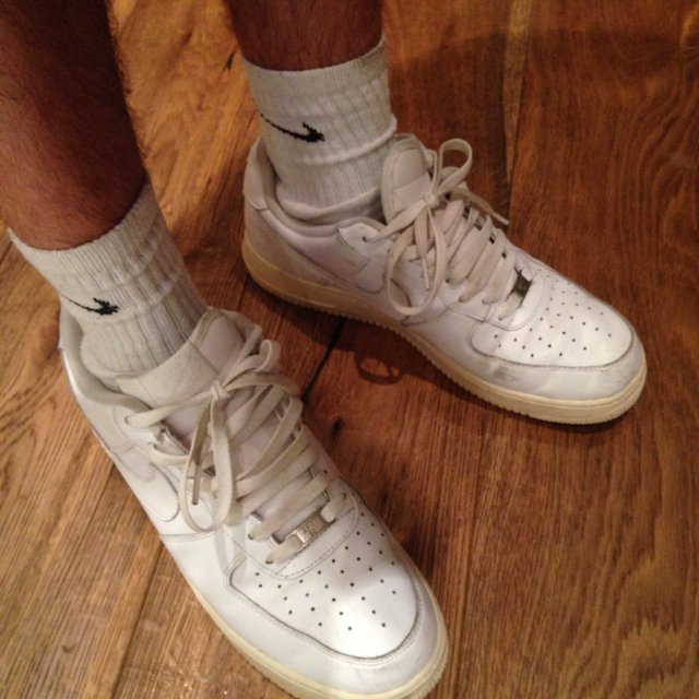 how to get rid of yellowing on shoes