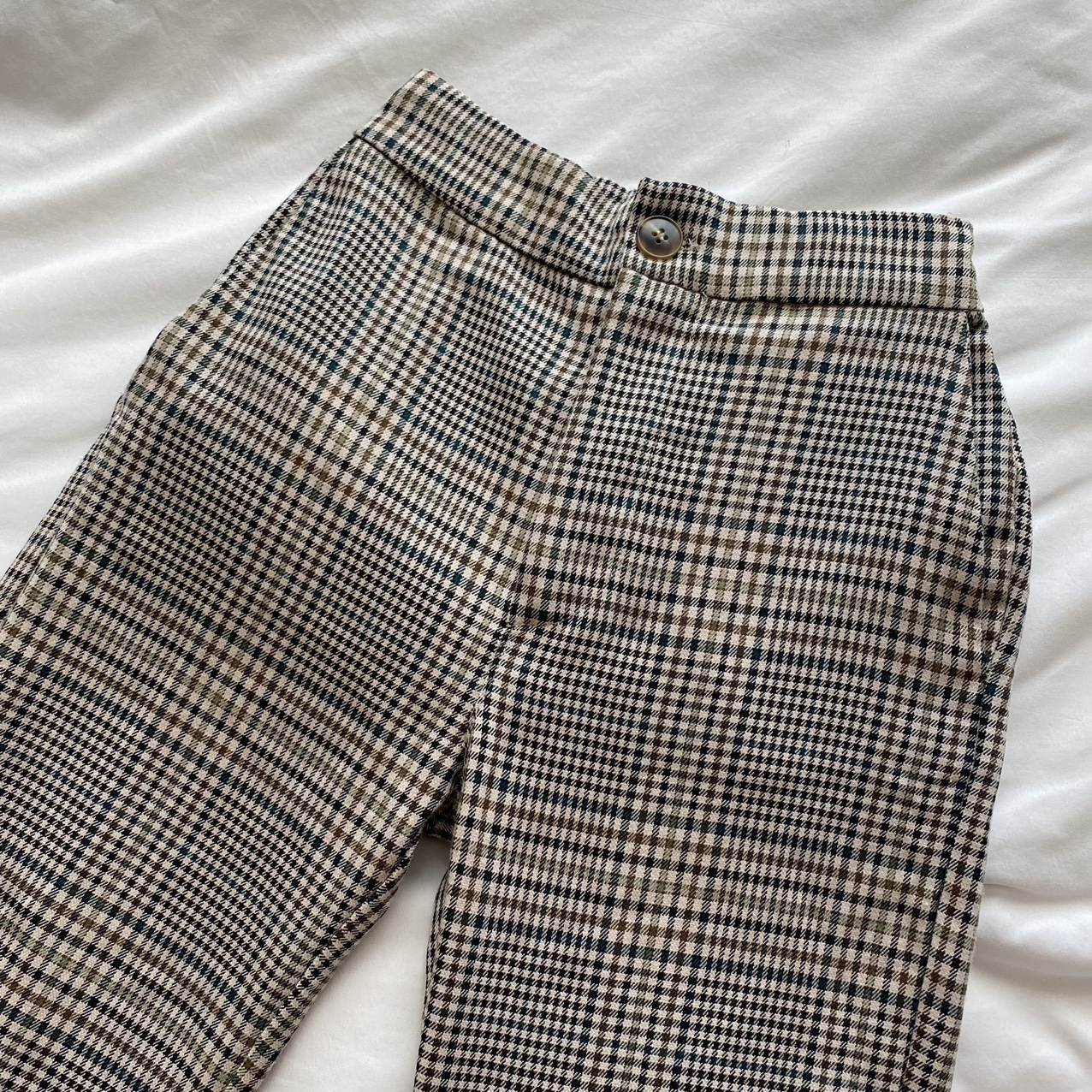 Product Image 1 - Pull and bear beige plaid