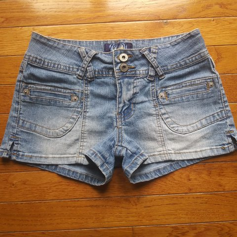 6a57f4f0f8 90s stretchy jean shorts by Angel. Size 5 and in perfect - Depop