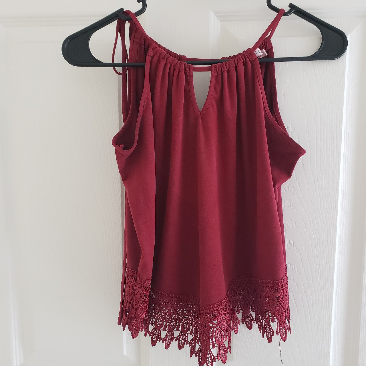 Product Image 1 - Red top that ties on