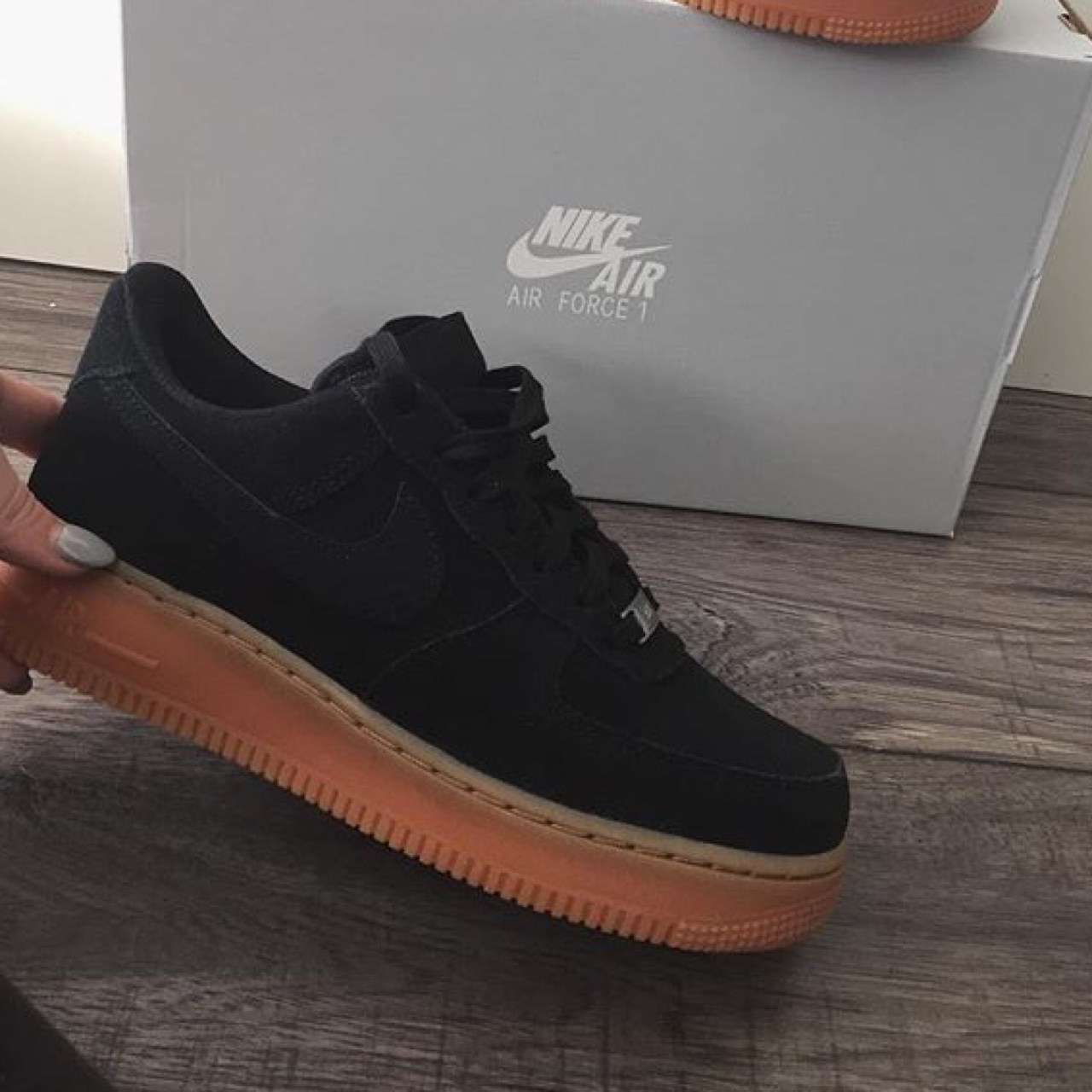 nike air force nere alte Marrone