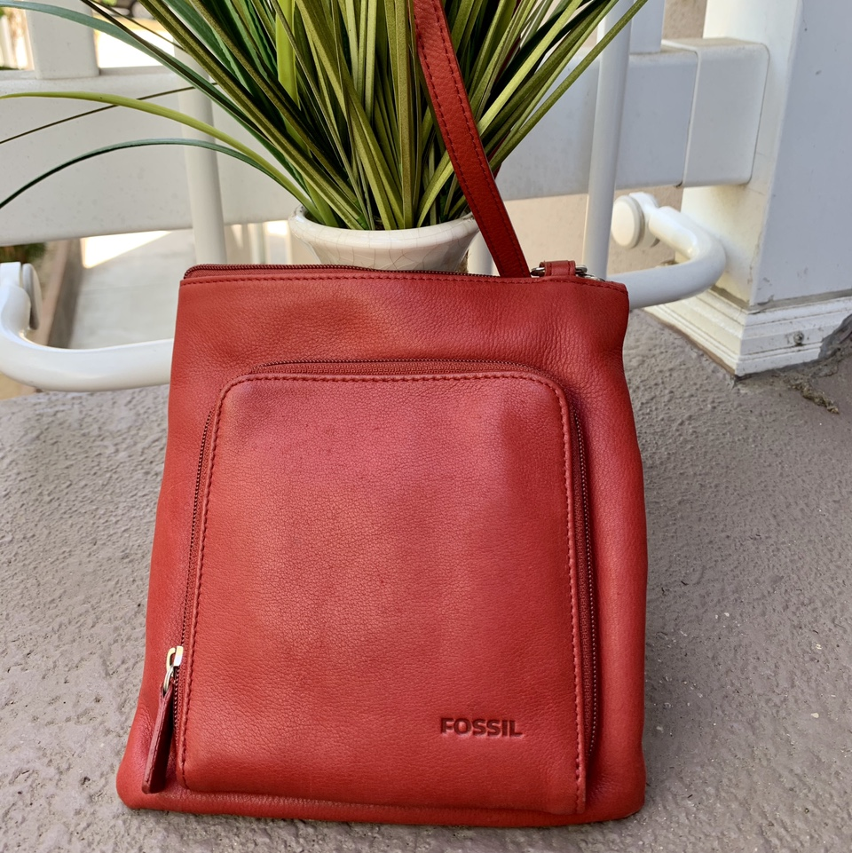 Product Image 1 - 💋FOSSIL💋 RED LEATHER  OVER THE SHOULDER