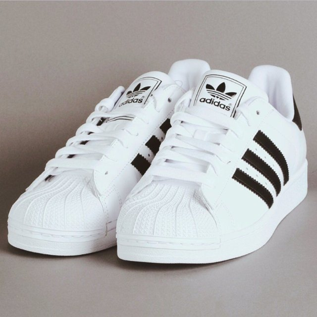 Adidas Superstars 39