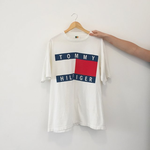 tommy hilfiger tommy logo tee. Black Bedroom Furniture Sets. Home Design Ideas