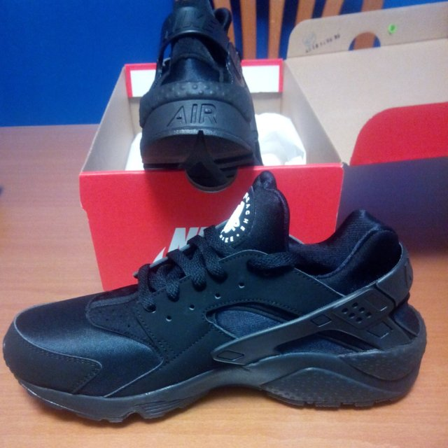 reputable site b70a2 91989 nike air huarache 2012 foot locker