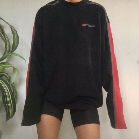 7e1d393c43c7f Vintage Reebok black and red T-shirt Sporty look - so cute - Depop