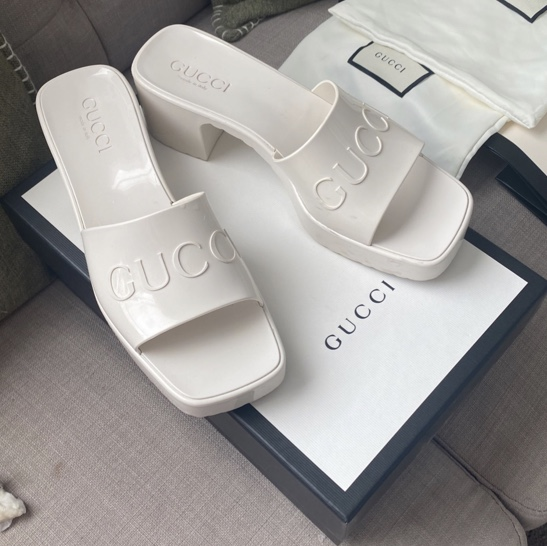 Product Image 1 - selling my Gucci rubber sandals.