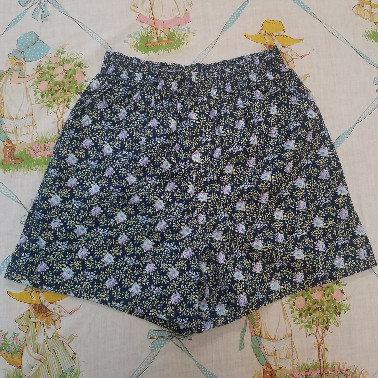 Product Image 1 - Vintage 90s Floral Mom Shorts