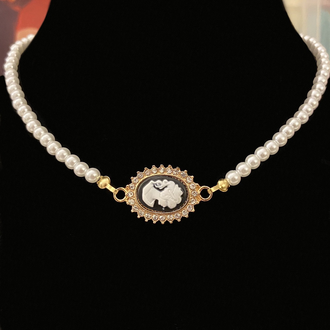 Product Image 1 - Y2k white pearl necklace with