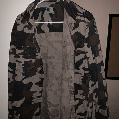 bfdc4943d241b H&M Divided Blue camo jacket. Has been worn a couple times a - Depop