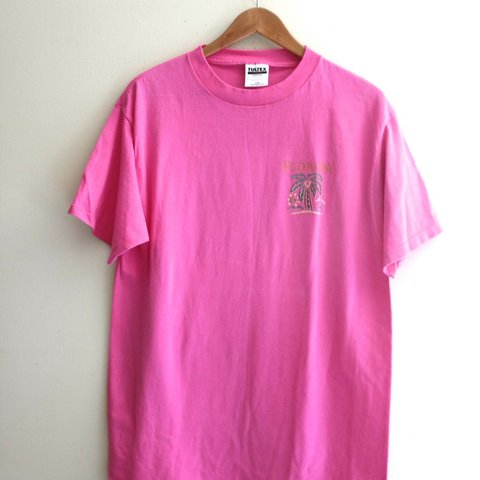 7a4a5e37584 Vintage Vtg 90s Neon Pink Florida Palm Tree Vacation Beach T - Depop