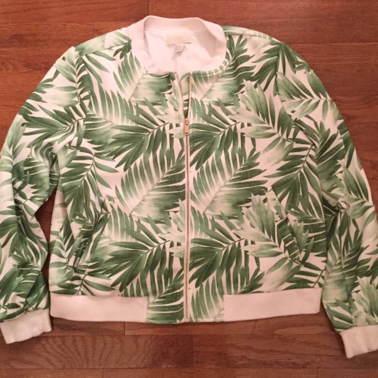 Product Image 1 - PALM DOWN: Super cute bomber/baseball