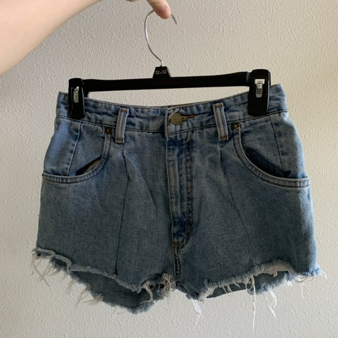 aa823a1c0 @sandravergara. 2 months ago. Gulf Breeze, United States. DIY high-waisted  shorts.