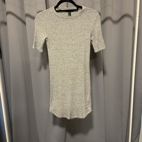 90fa6c97775d @mcindyg. 4 days ago. Glasgow, United Kingdom. Forever 21 ribbed bodycon  dress in grey. Very soft and stretchy. Size small but would probably fit ...