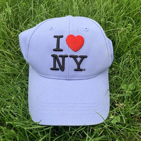 4e0b636ed5115d I 💜 NY hat Absolutely iconic hat and in such a cute In a - Depop