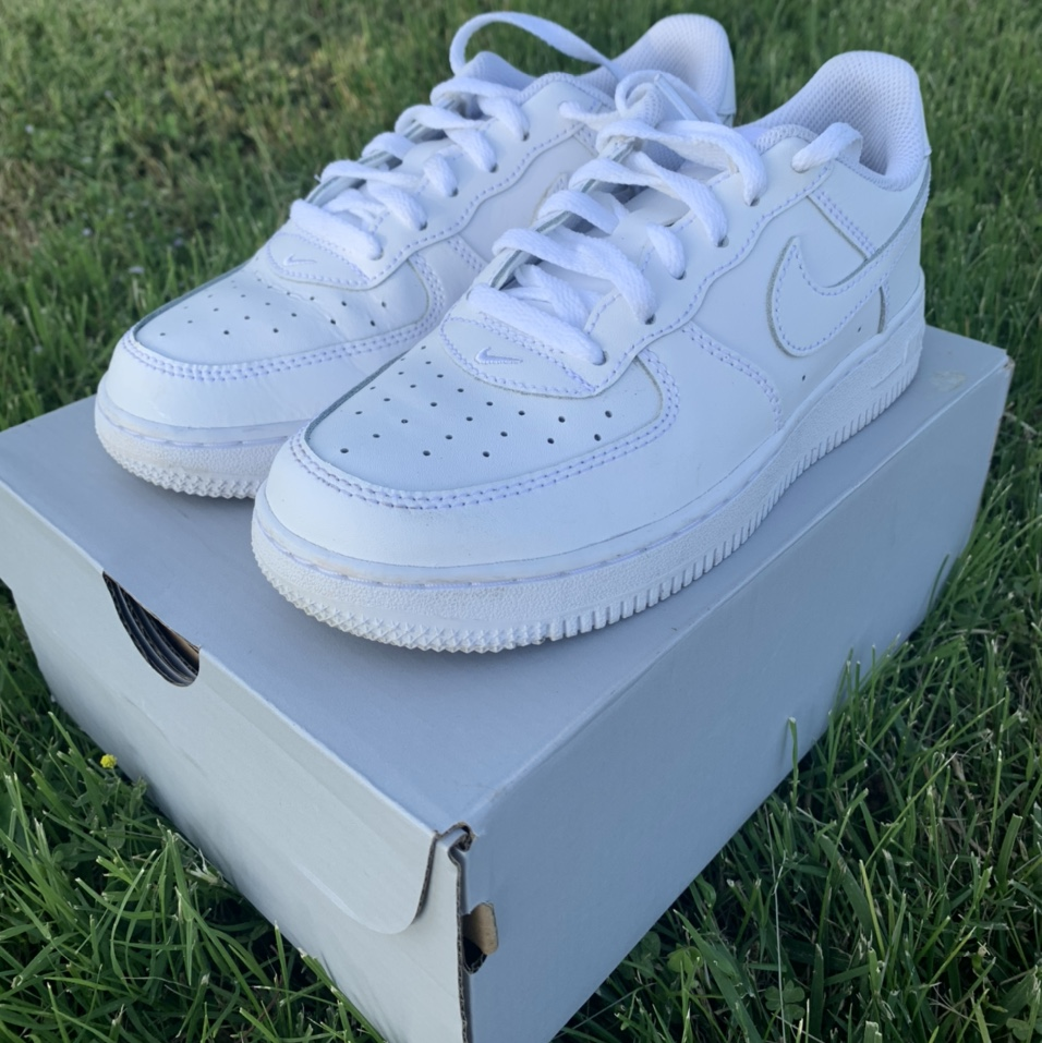 Nike Air Force 1 (PS) - White Kids Size - 2 Worn a... - Depop