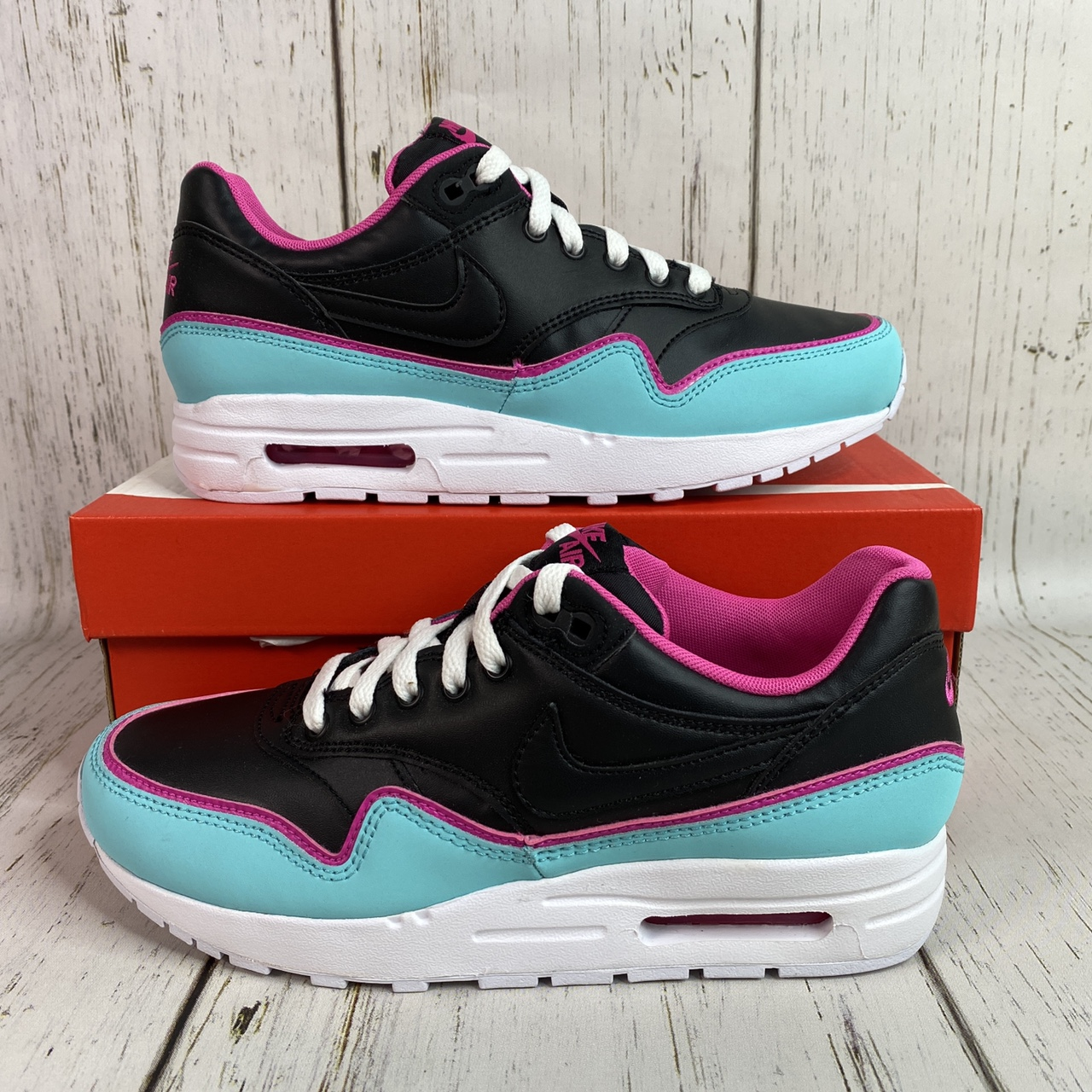 Product Image 1 - Brand new pair of Nike