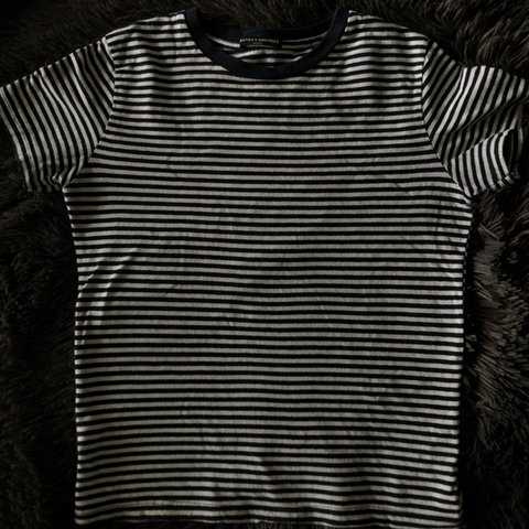 2e1c45e3d9 @teenag3r. 29 days ago. Commerce Township, United States. Brandy Melville t- shirt gently worn soft cotton material navy blue and white stripes