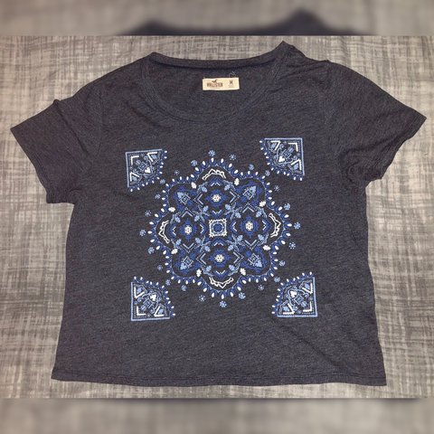 674539df212cb4 Navy Patterned Crop Top | Worn A Few Times | Bought For: top - Depop