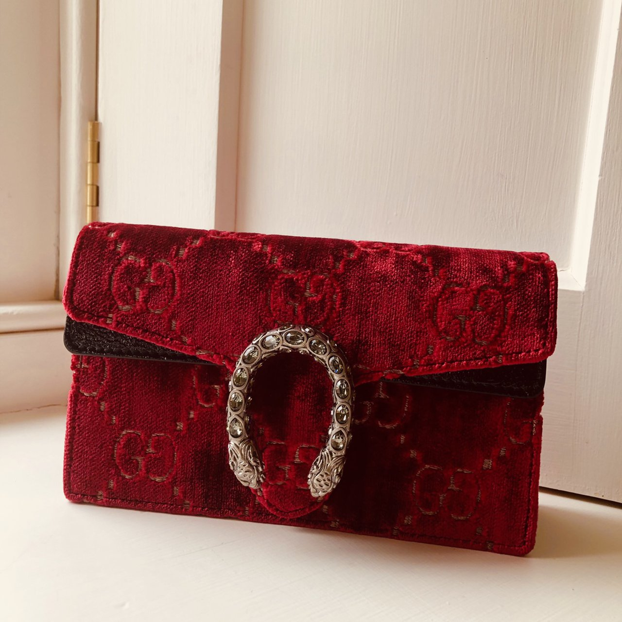 304b2161da2 @rosevc. 17 days ago. Chipping Norton, United Kingdom. Gucci GG Dionysus  velvet super mini bag