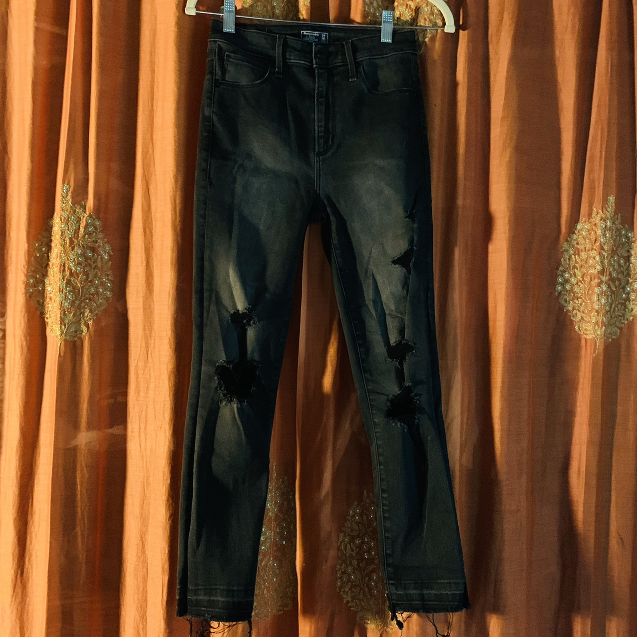 Product Image 1 - Abercrombie & Fitch Black Distressed