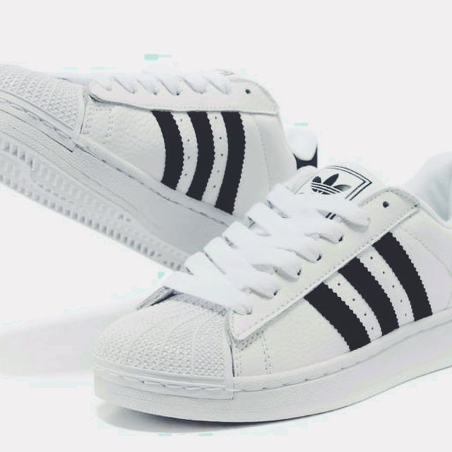 adidas super star righe nere