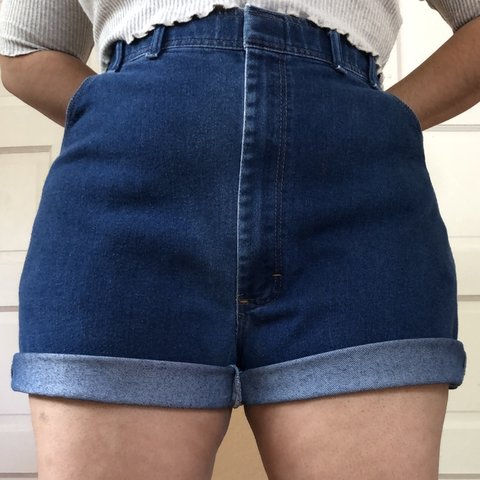 688ac329ec9 Vintage 90s Plus Size Dark Wash High Waist Denim Shorts by - - Depop