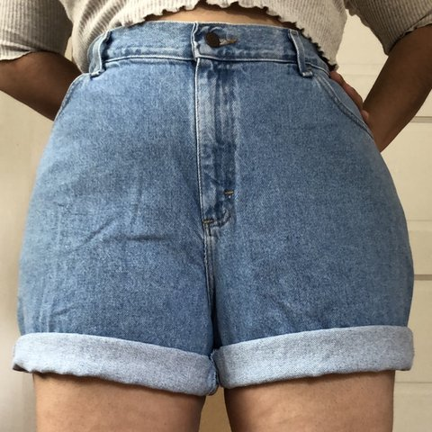 1d1062c7244 Vintage 90s Plus Size High Waist Light Wash Denim Mom Shorts - Depop