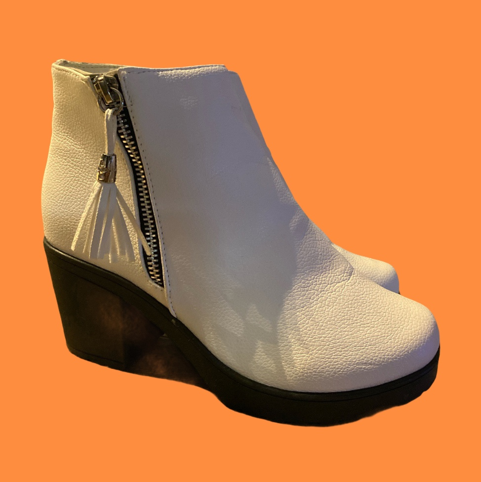 Product Image 1 - zip pull white chelsea boots