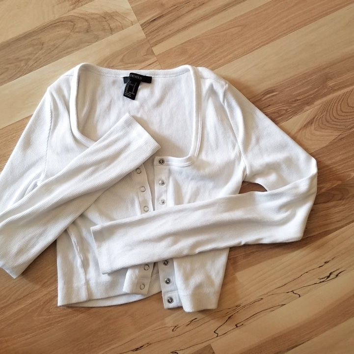 Product Image 1 - Forever 21 white button down🤍