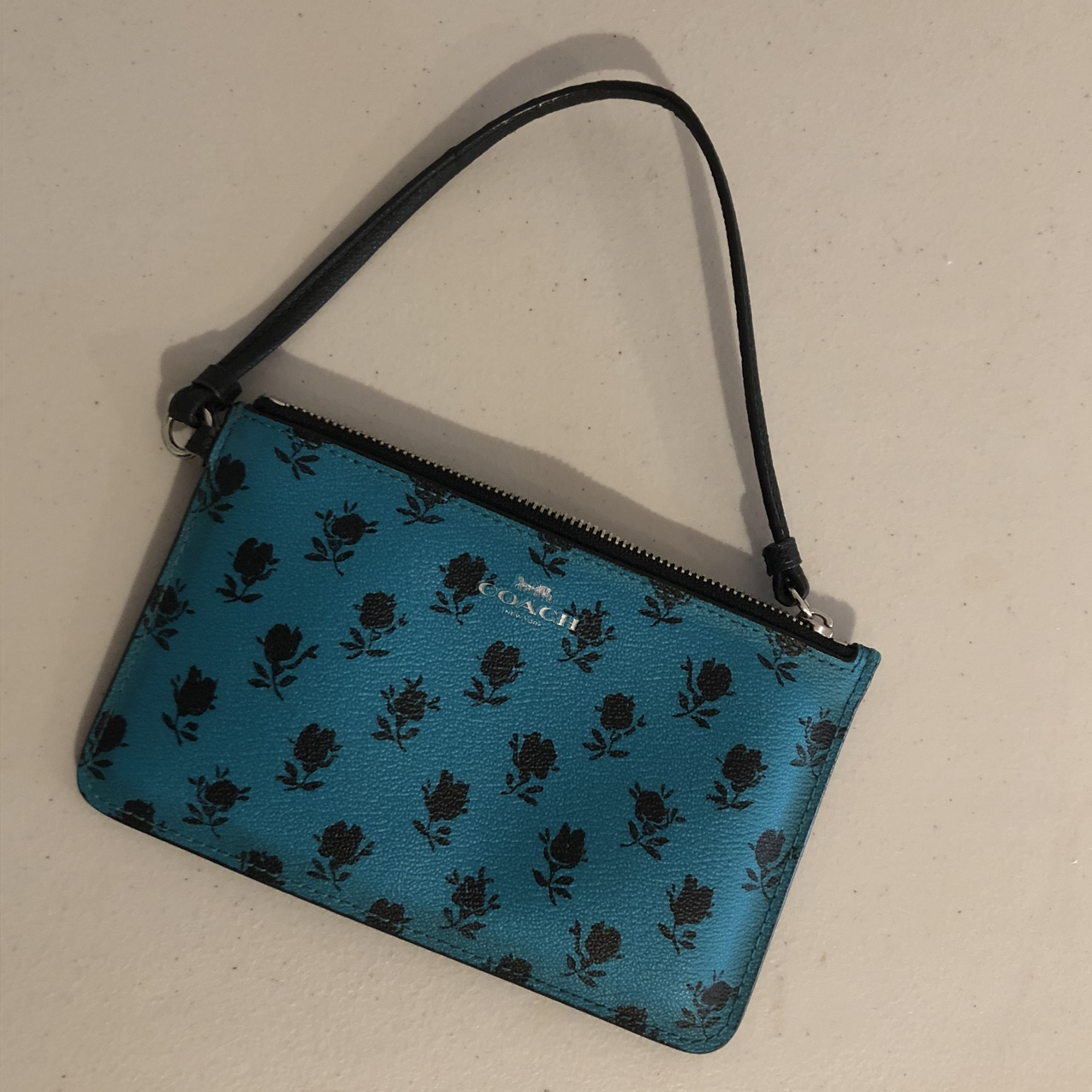 Product Image 1 - Coach wristlet blue and black.