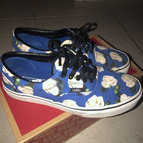 0d091a635 Blurred romantic floral era vans size 8 in men 9.5 women's. - Depop