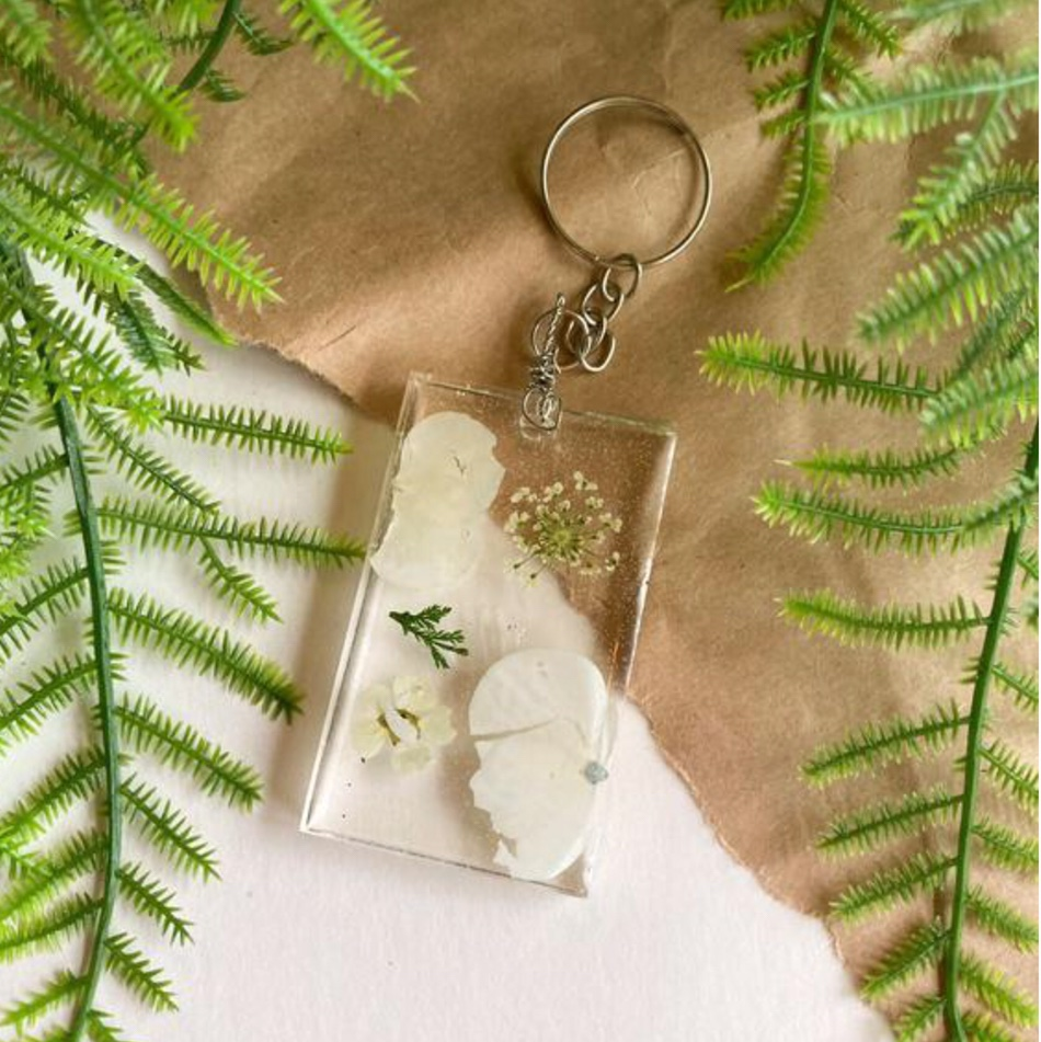 Product Image 1 - 🌿 Handmade floral keychain! 💖 This