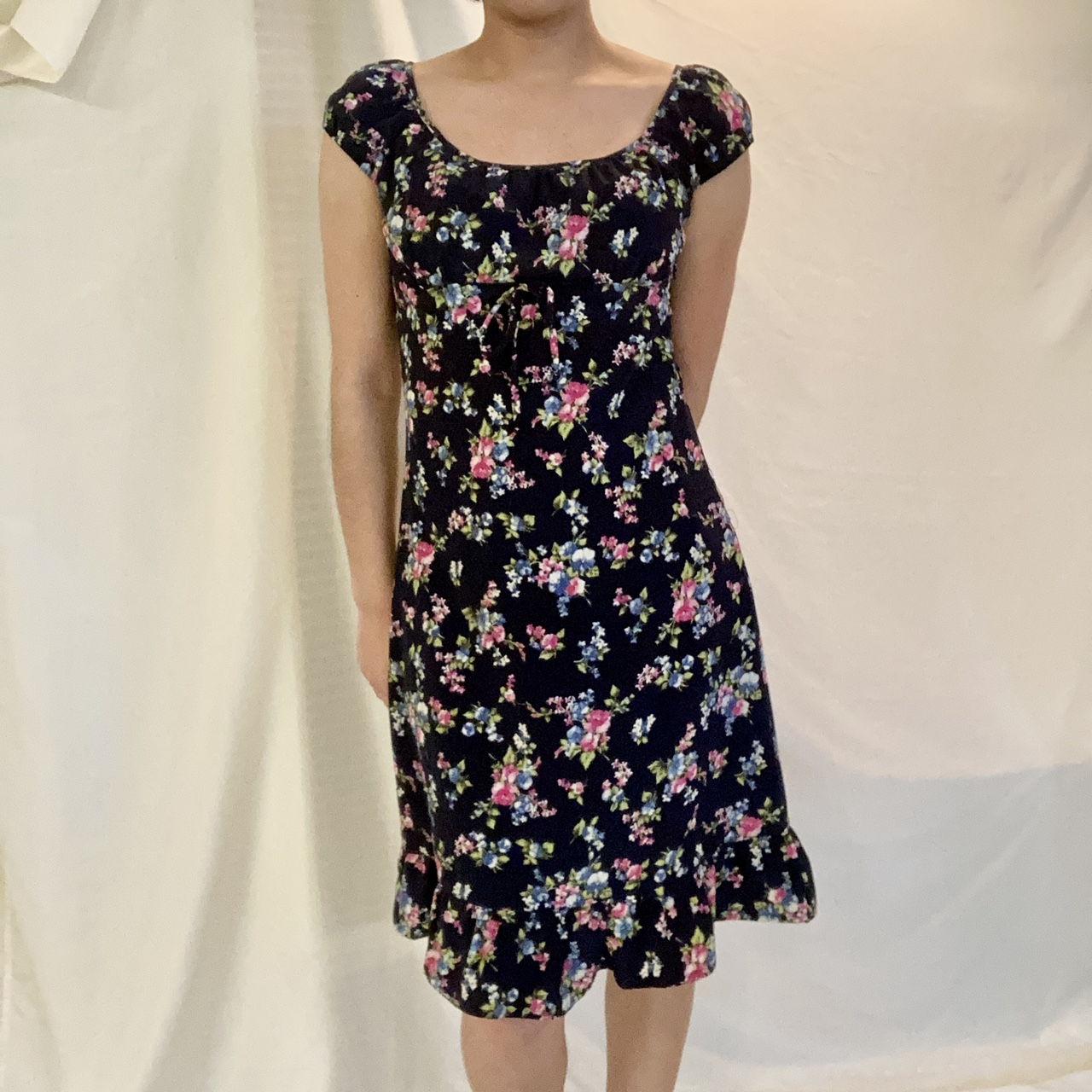 Product Image 1 - 🎀Beautiful Navy Floral Milk Maid