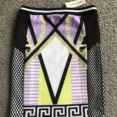 5a2bb63339 river island midi skirt brand new with tags probably will a - Depop