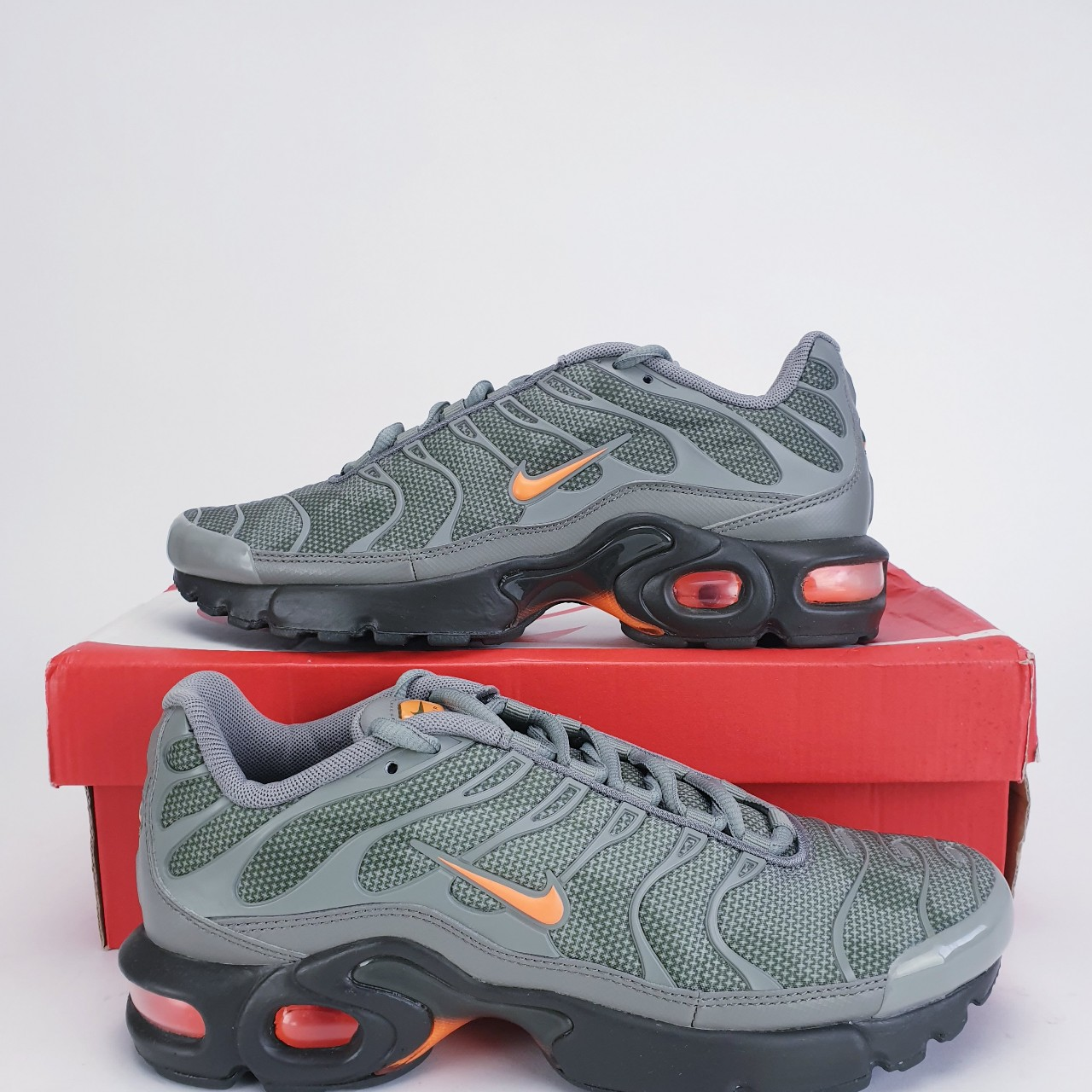 Nike Air Max Plus SE Tuned TN Junior Trainers Shoes... - Depop