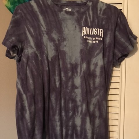cf999c6b blue & purple tie dye Hollister t-shirt. men's size small. a - Depop
