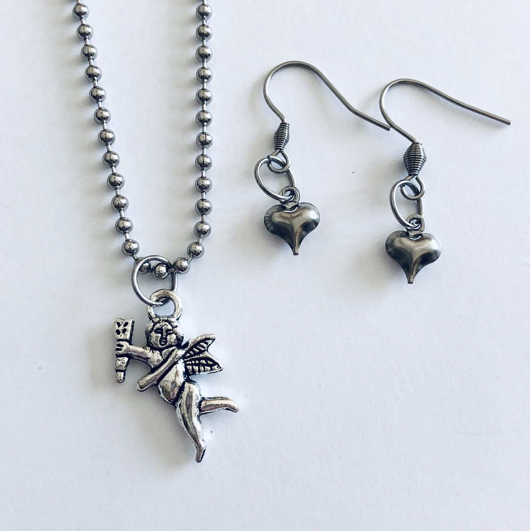 Product Image 1 - Cupid necklace & heart earrings