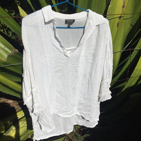 8e1779f0508bae White flowing shirt from top shop #topshop #byronbay #flow - Depop