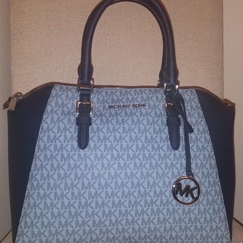 c71f5e212bf3 NWT Michael Kors Ciara Satchel Condition is New with with a - Depop